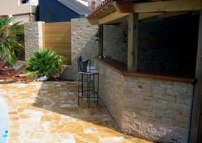 Espace de vie - Bar extérieur, Mur pierre